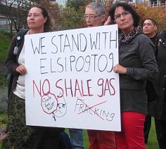 Elsipogtog solidarity in Toronto 2